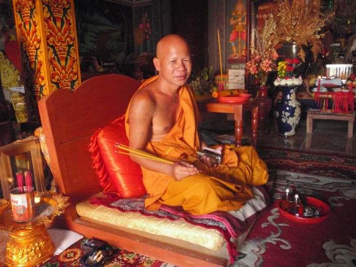 Cambodia-buddhist-e1459420011620