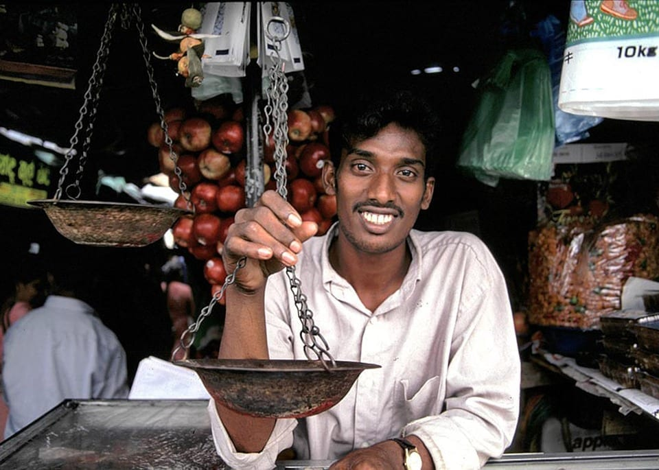 Shopkeeper-Sri-Lanka