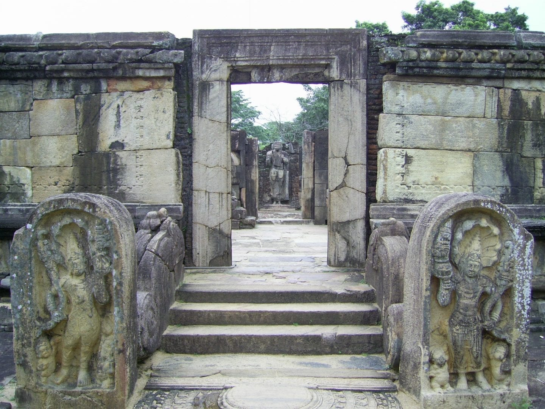 anuradapura-ruins
