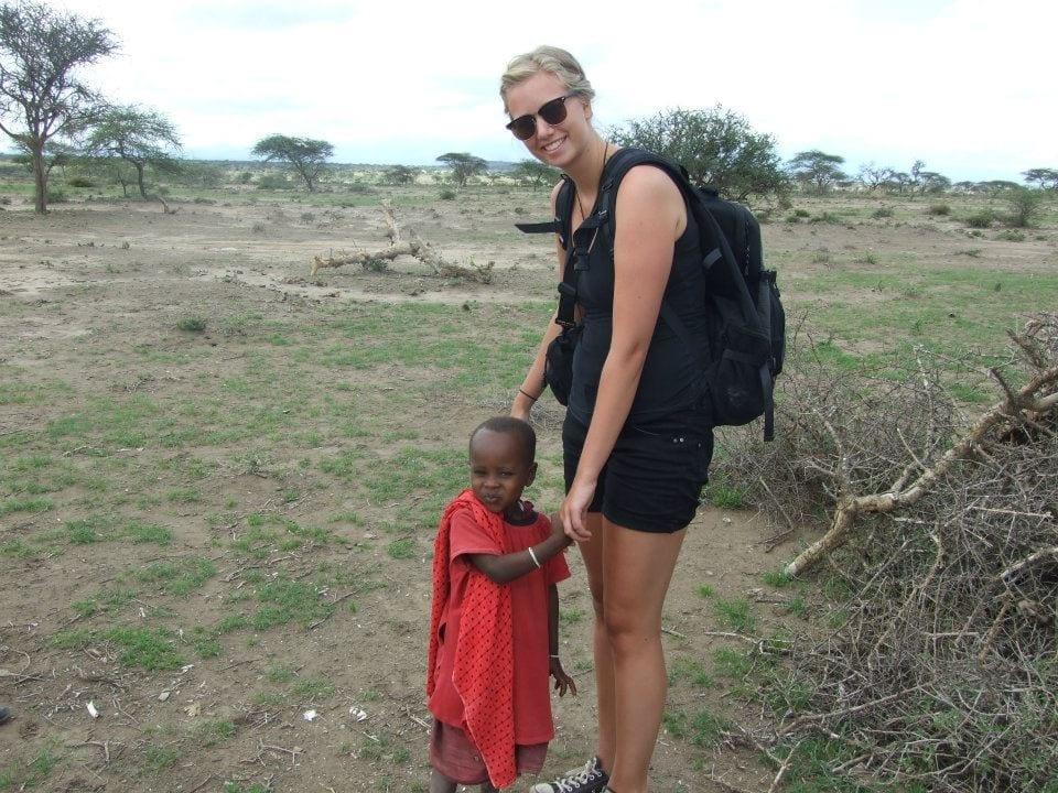 frivillig_med_barn_i_tanzania
