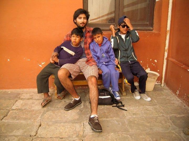volunteer_with_kids3